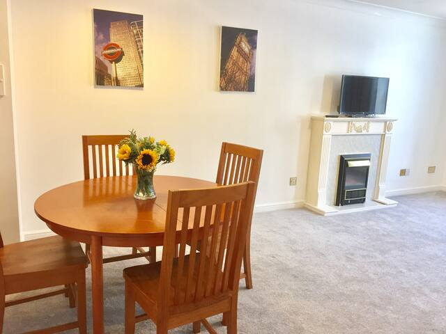 One Bedroom Apartment next to Victoria Station
