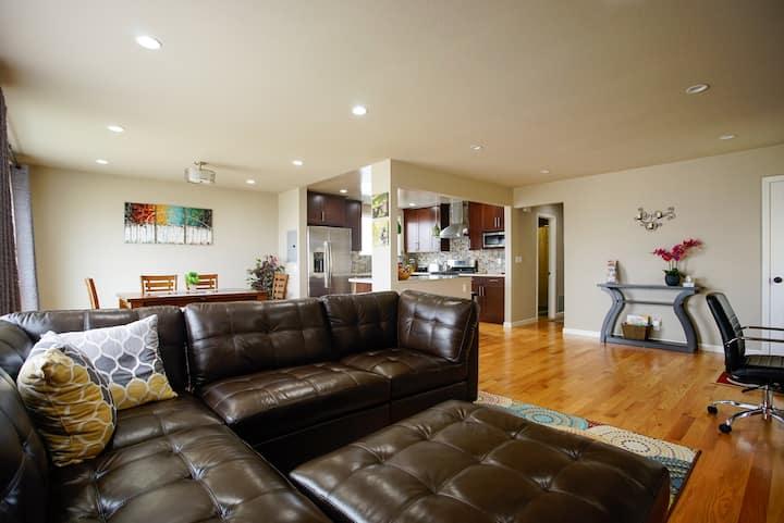 Elegant City View 3 Bedrooms 2 Baths Home Near SF