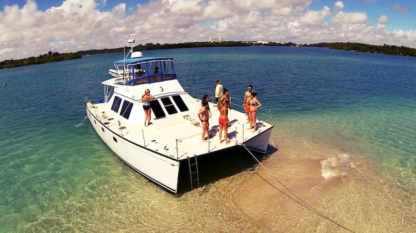 Large Catamaran with 4 Staterooms stay up to 8pax - Miami Beach - Vaixell