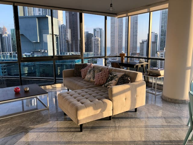 Spectacular chic flat in city center near metro