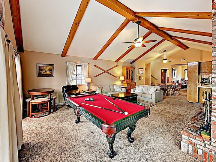 Eagle's Nest | Large House Near Lake & Ski Resorts