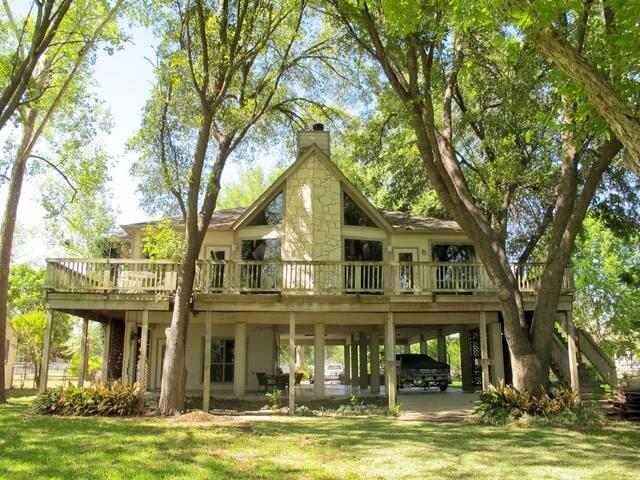 New Braunfels River House on  Dunlap