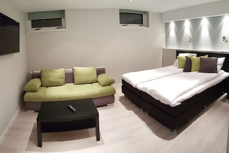 Luxury private rooms near Amsterdam - Westzaan - 別荘