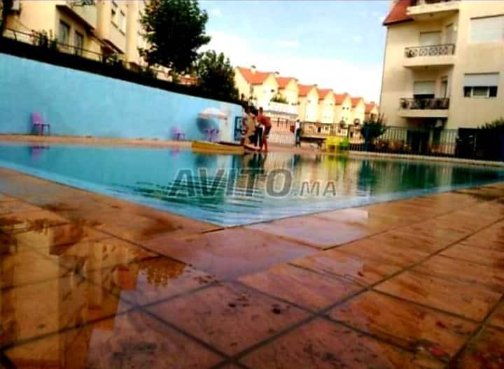 Grande appartements avec piscine et jardin ,wifi..