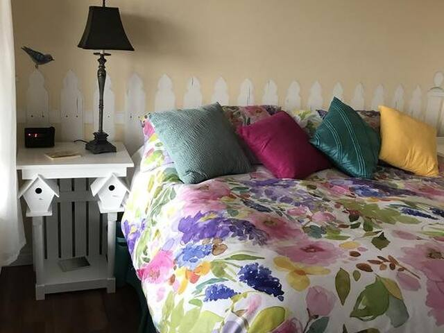 Sunray Room - King bed