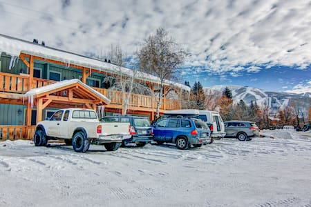 Fun & Cozy a Perfect Get Away for Any Seasson - Steamboat Springs