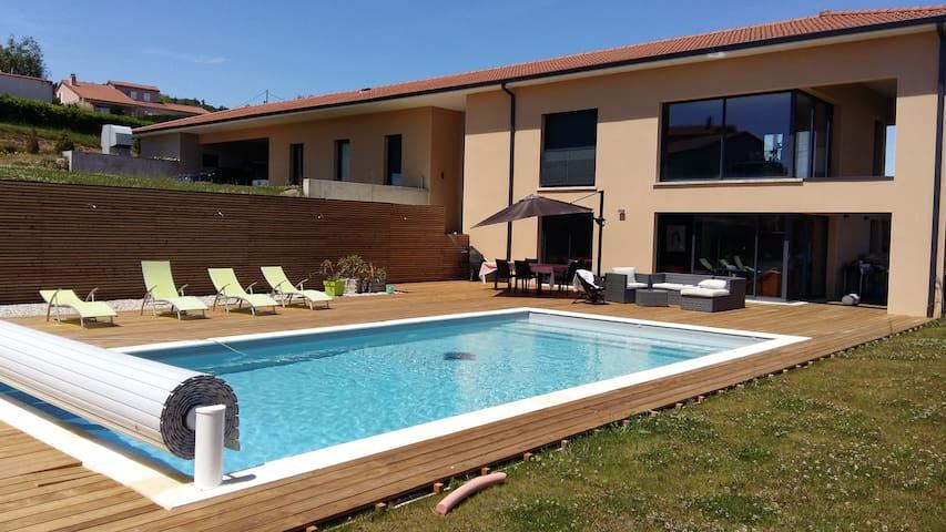 Villa au coeur de l'Ardèche verte