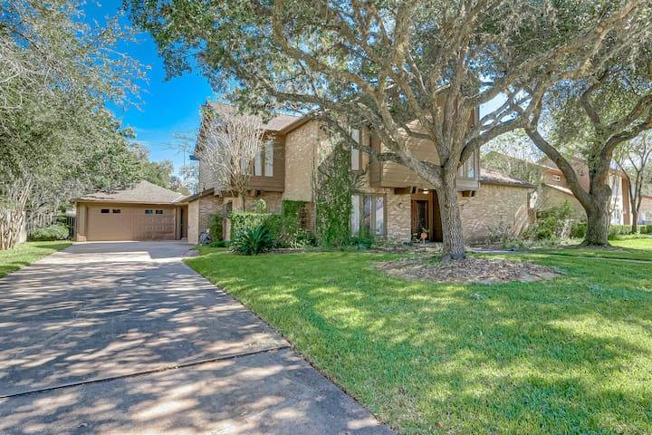 Amazing Quail Valley Golf/4 bdr with Private Pool!
