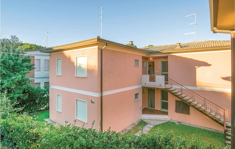 Holiday apartment with 2 bedrooms on 45m² in Rosolina Mare RO