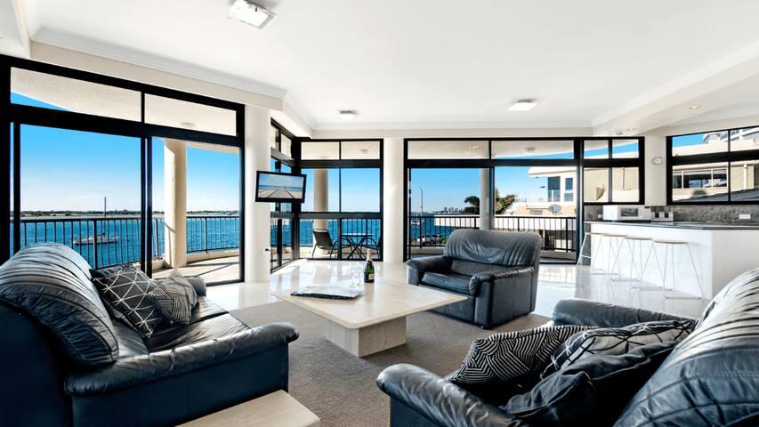 Spacious Ocean View Apartment in Labrador