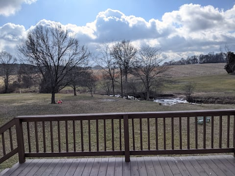 Country & Convenient -just off I-57 and I-24