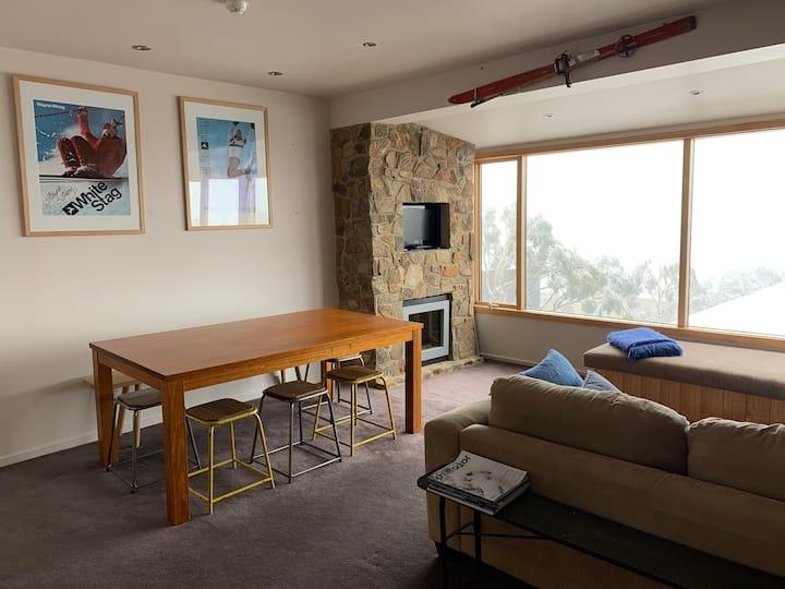 Luxury views accross Victorian Alps: Season Rental
