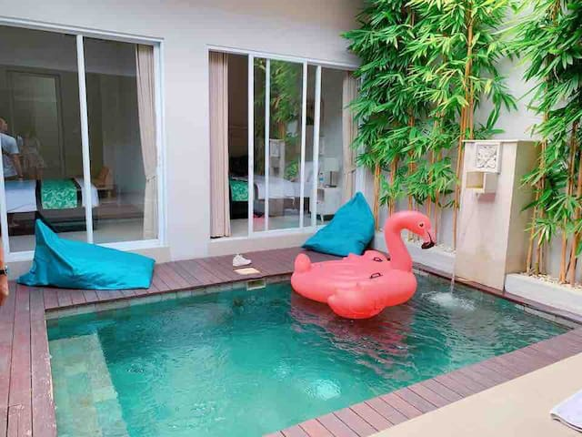 New 2 bedroom Stylish private pool + Floties