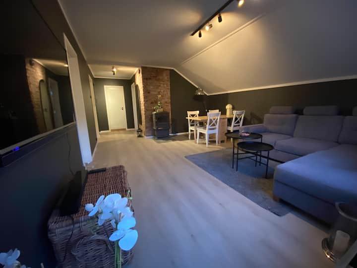 Nyoppusset leilighet i gangavstand til UIA, 3-roms