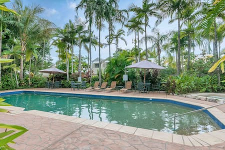 2 Bed Villa in a Tropical Resort v19 - Palm Cove
