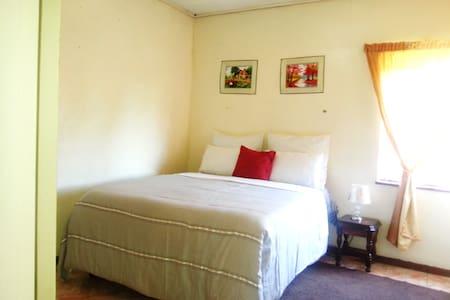 Sue's 1 bed apartment - Harare