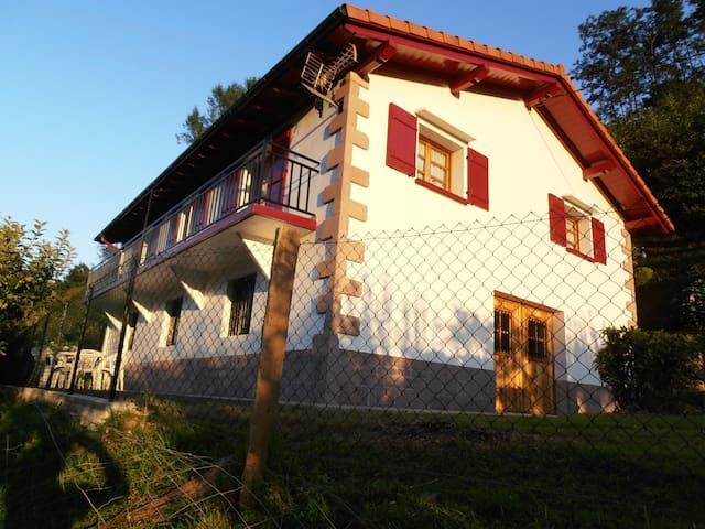 Casa Rural Larrapil