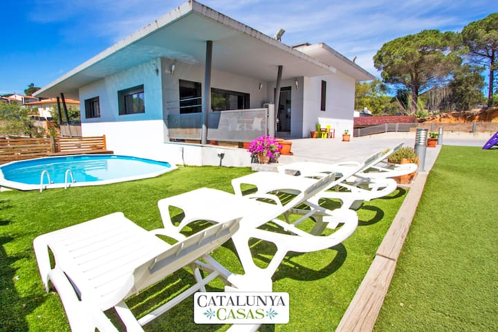 Lovely villa in the resort of Les Comes, Sils, only 15 min from Costa Brava beaches! - Costa Brava