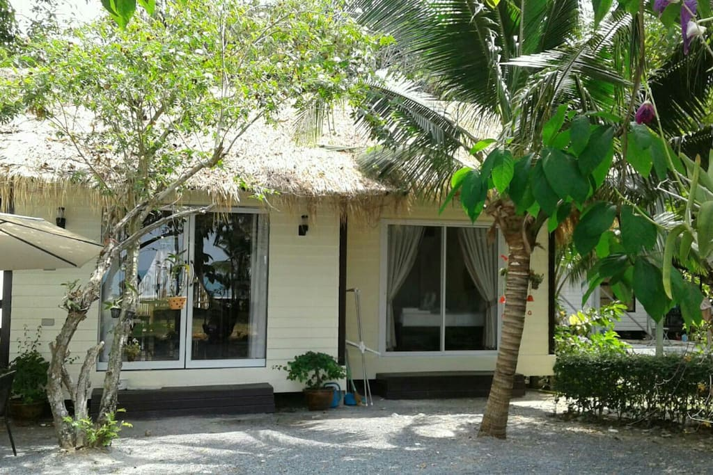 Beautiful cottage style beach house.