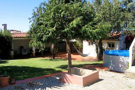 Sintra Pine House - Algueirão-Mem Martins - Bed & Breakfast