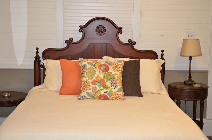 Longleaf Lodge - Hoffman - Bed & Breakfast