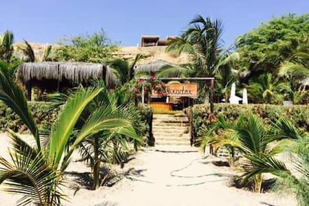 El Mirador, casa a orillas del mar. - Provincia de Talara