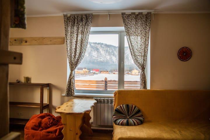Уютный домик в горах, для семьи - Askat - Casa