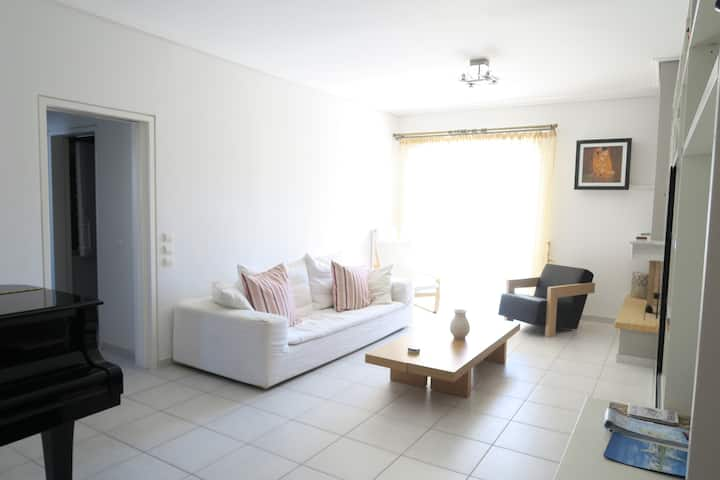 Central Agia Paraskevi luxury flat in gated court