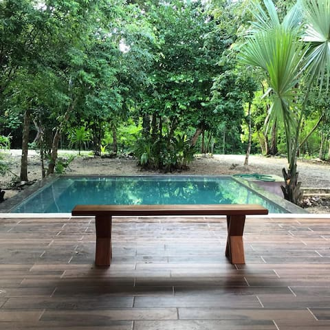 Jungle retreat at La Chula