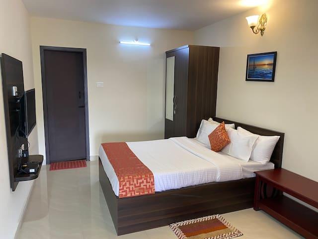 Superior bedroom-1