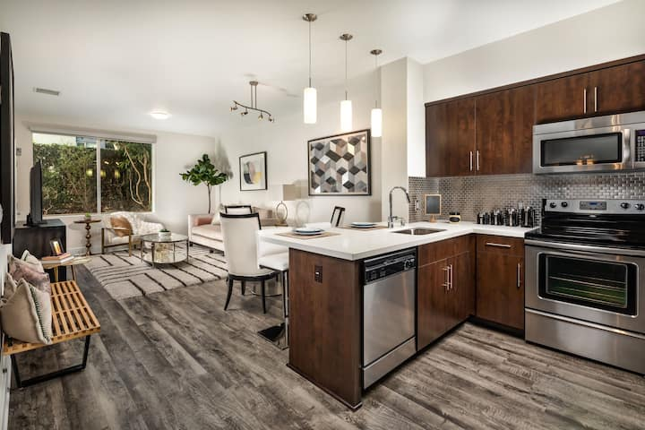 Live + Work + Stay + Easy | 1BR in Los Angeles