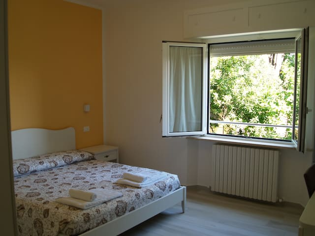 Camera Ambra affittacamere Tory - Sirolo - Bed & Breakfast