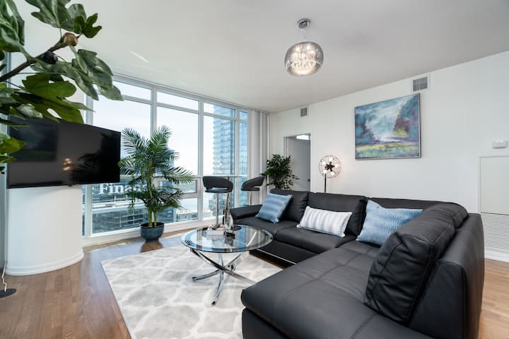 3BRDM Waterfront Condo - 6ppl + Free Parking!