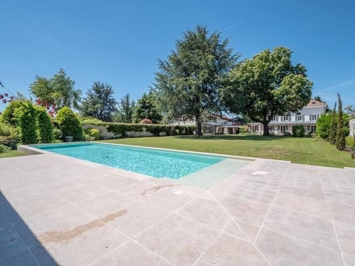 Maison de charme proche Paris - piscine et jacuzzi