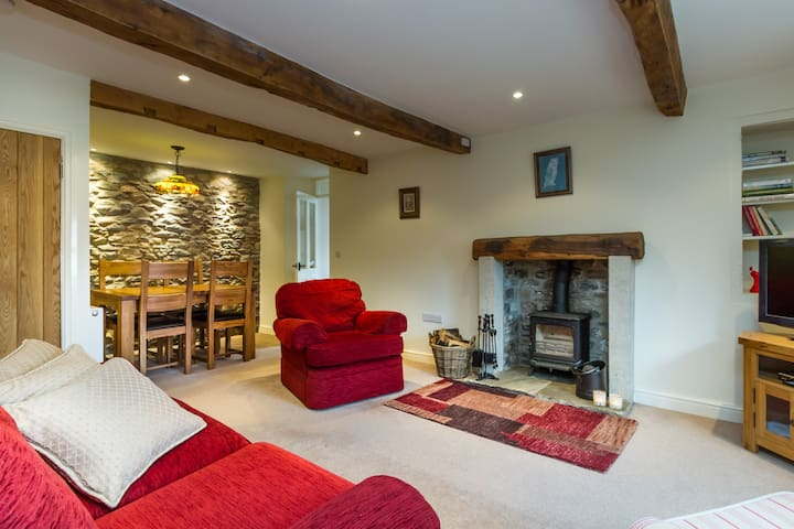 Character Cottage close to Kirkby Lonsdale