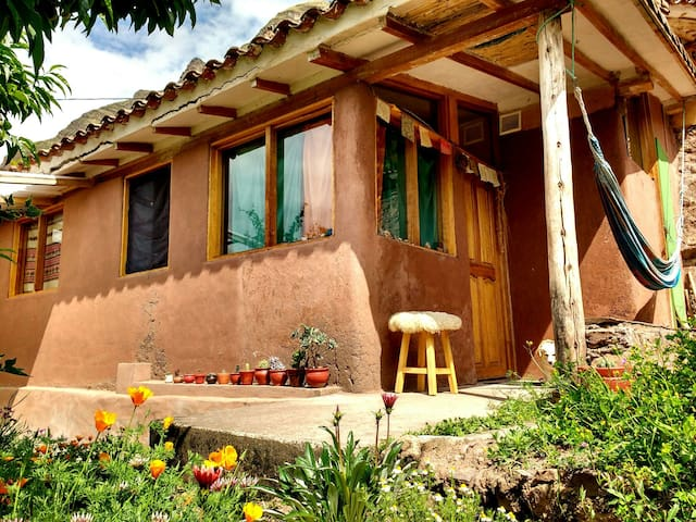 Cozy Garden Cottage in Peaceful Pisac Landscape