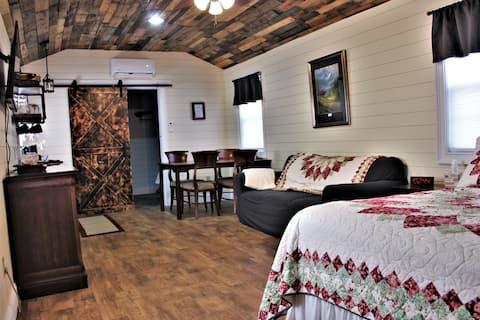 Peaceful Oak Cottage