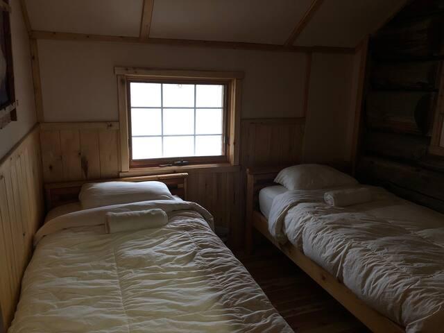 Lodge Room (2 Singles) - Rustic Wilderness Retreat