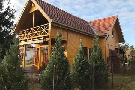Ház Balatonmáriafürdőn