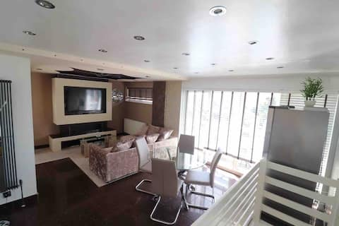 Unique 2 bed house. Great for families/contractors