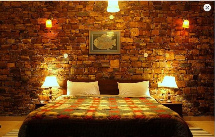 Spacious rooms at Fishermen's Cottage, Nainital