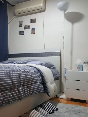 4mins from hongdae station 6exit, YnD House room B
