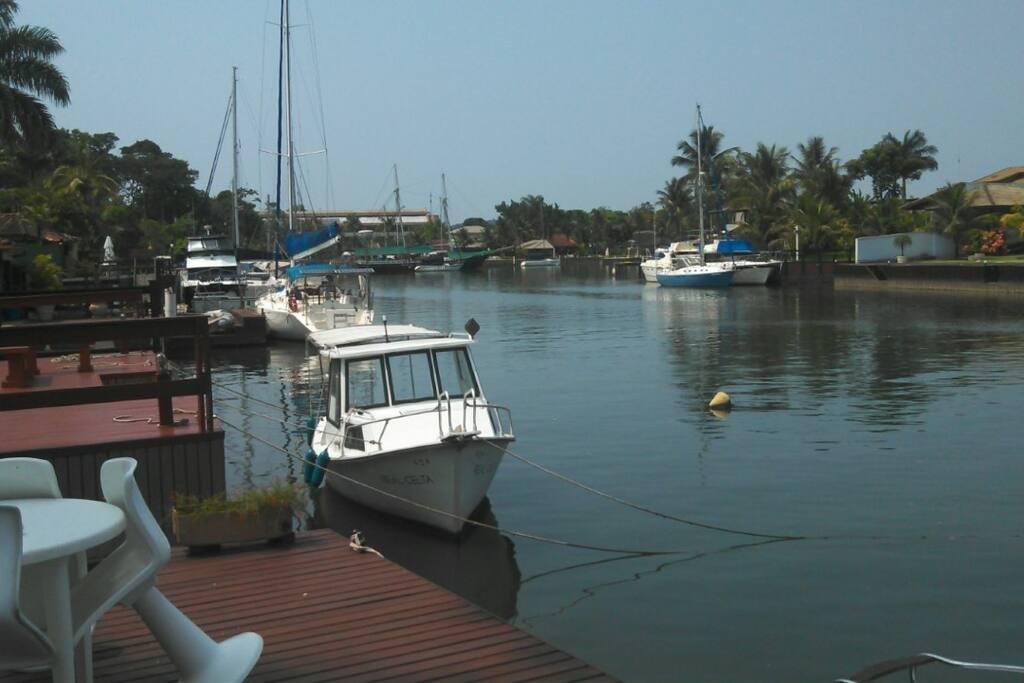 vista do deck - acesso ao canal do Bracuhy