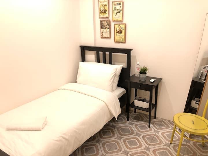 NekNek Hostel Room 5