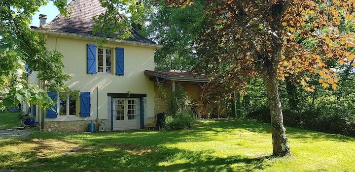 Gîte 2 pers sur domaine de 8 hectares Lot/Dordogne