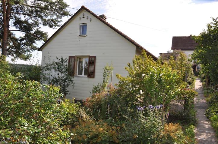 Ferienhaus an ruhiger Lage - Schaffhausen - Casa