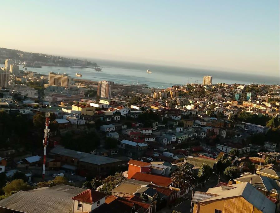Bahía de Valparaíso de dia, vista desde Terraza