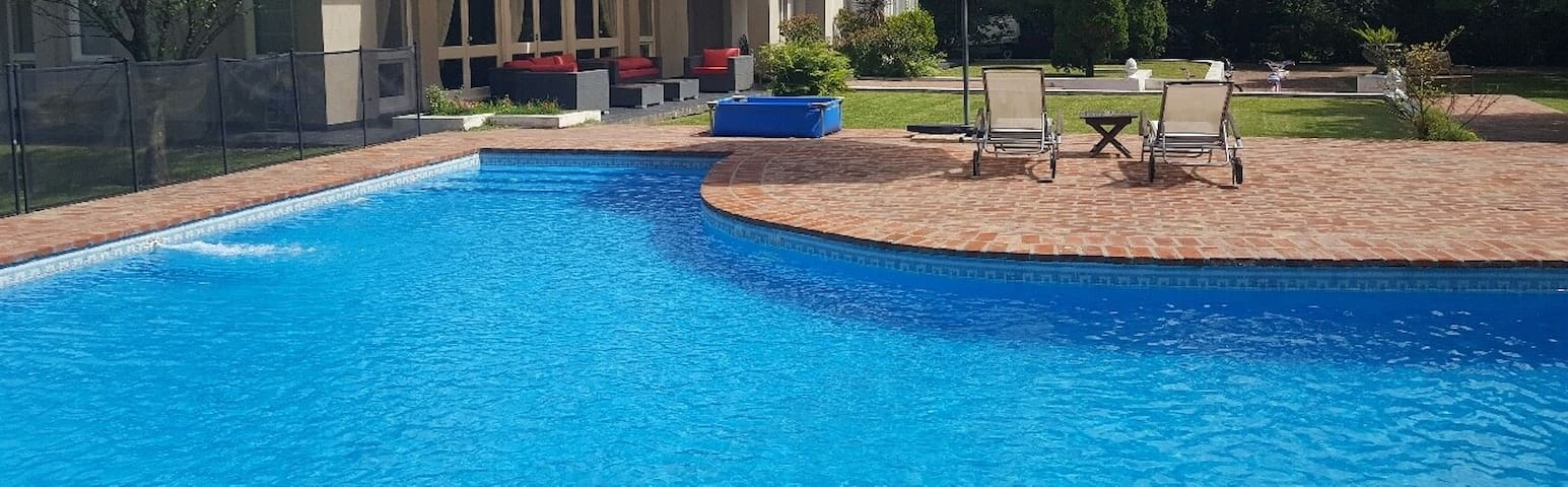 SPECTACULAR AND EXCLUSIVE PROPERTY Parque, Piscina