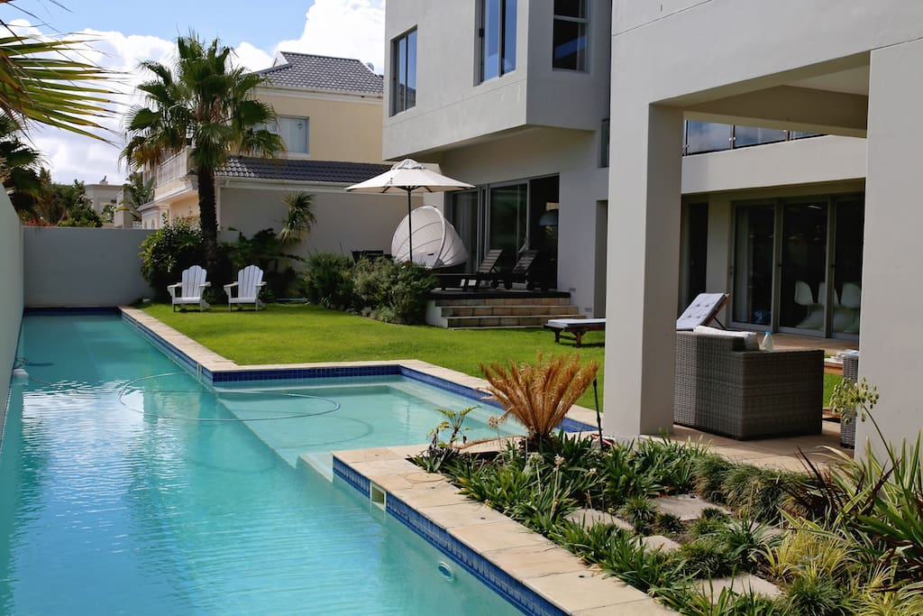 Garden and pool area