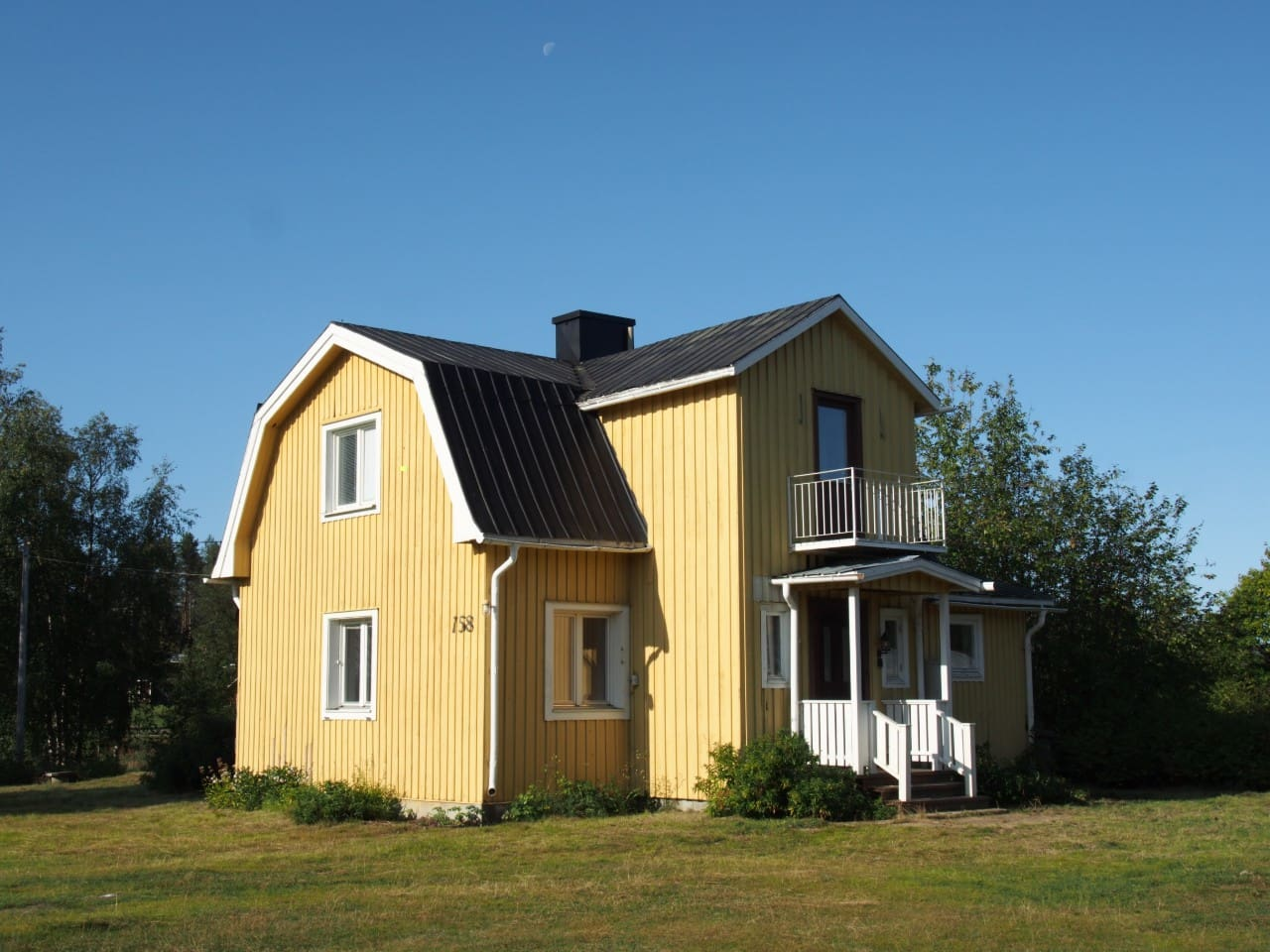 'Lapland Lights' is a traditional timber cottage built at the turn of the 20th century.